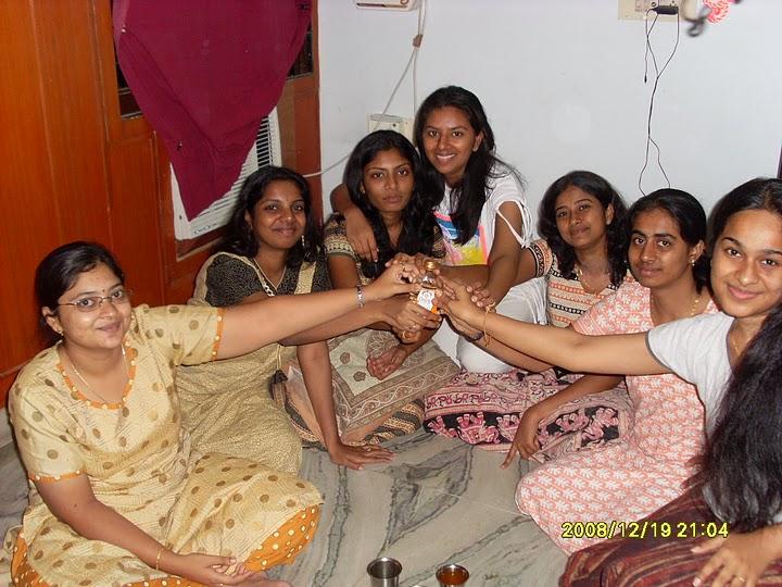 Image result for பெண்கள் பெண்கள்  கல்யாணம்